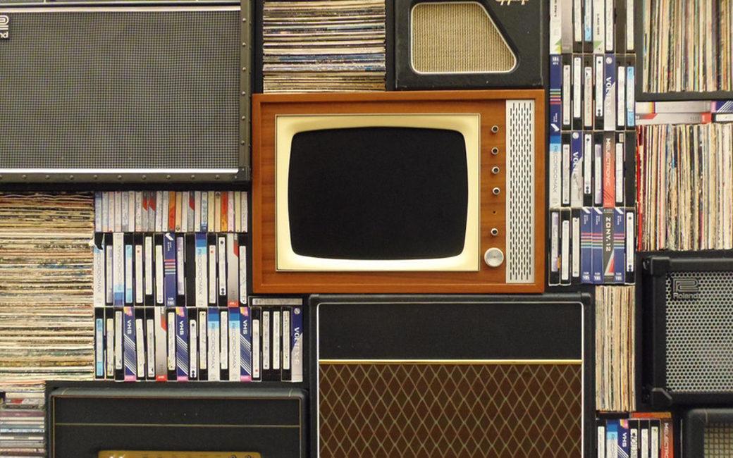 linea d'ombra pinerolo dischi vintage fono valige hi-fi giradischi collezionisti pulizia microsolchi vinili